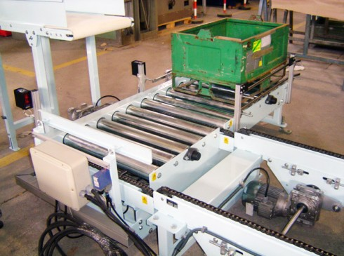 Gravity roller conveyors and driven roller conveyors series MCRG and  MCRM