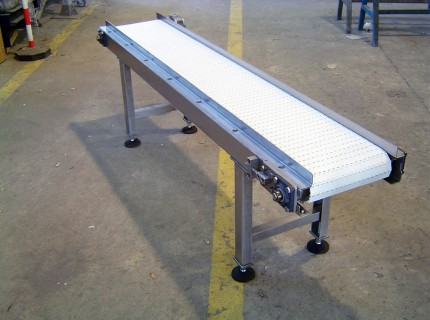 Modular belt conveyors and slat chain conveyors