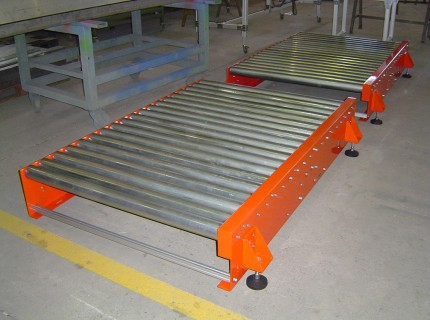 Roller conveyor for palletization systems